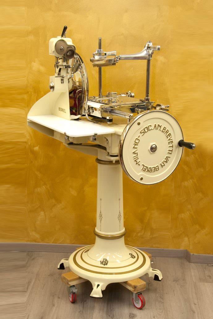 Berkel slicing machine model 7 Ivory