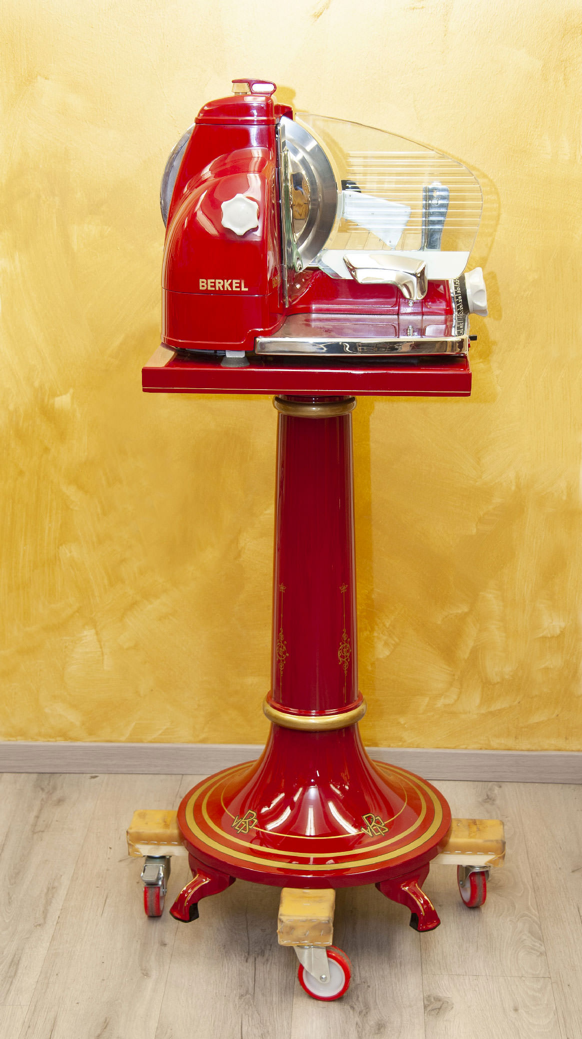 Berkel eletric slicer model 836 red