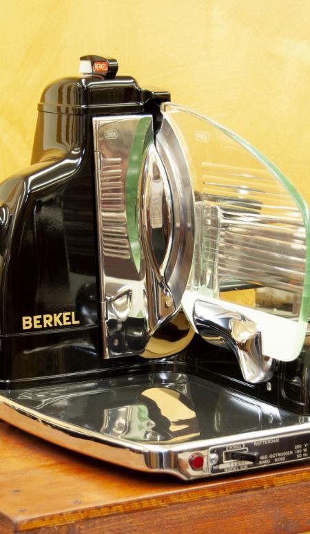 Affettatrice elettrica Berkel modello 836 nera